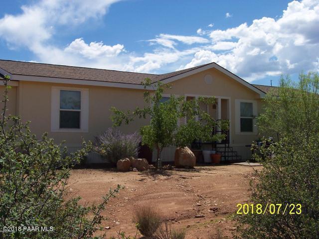 815 N Old Coach Trail, Dewey-Humboldt, AZ 86327 (#1016495) :: HYLAND/SCHNEIDER TEAM