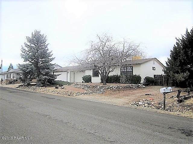 7375 E Paseo Dulce, Prescott Valley, AZ 86314 (MLS #1017857) :: Conway Real Estate