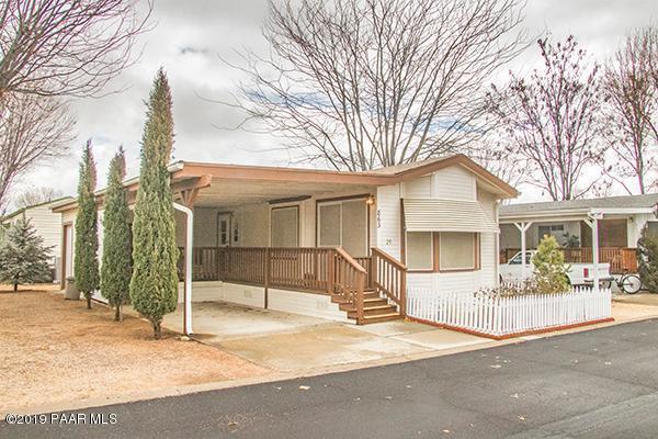 863 N Wild Walnut Drive, Prescott Valley, AZ 86327 (#1017902) :: HYLAND/SCHNEIDER TEAM