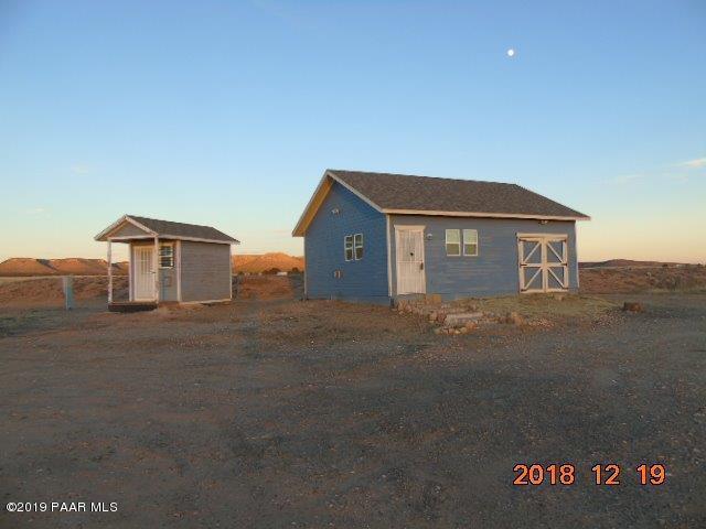 3434 W Malapai Road, Paulden, AZ 86334 (#1018453) :: HYLAND/SCHNEIDER TEAM