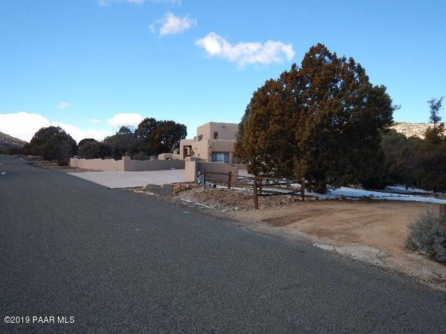 2057 W Katahn Drive, Prescott, AZ 86305 (#1018756) :: HYLAND/SCHNEIDER TEAM