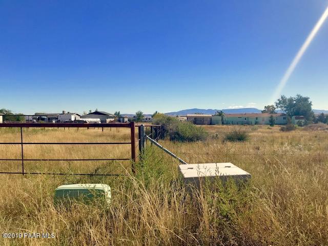2635 N Mohawk Trail, Chino Valley, AZ 86323 (#1019161) :: HYLAND/SCHNEIDER TEAM