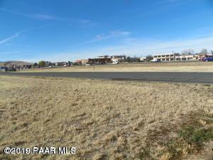 8040 E Sunrise Lane, Prescott Valley, AZ 86314 (#1019973) :: Shelly Watne