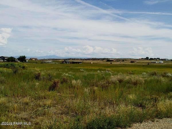 1395-1425 S Lake Shore Drive, Chino Valley, AZ 86323 (#1020144) :: Shelly Watne