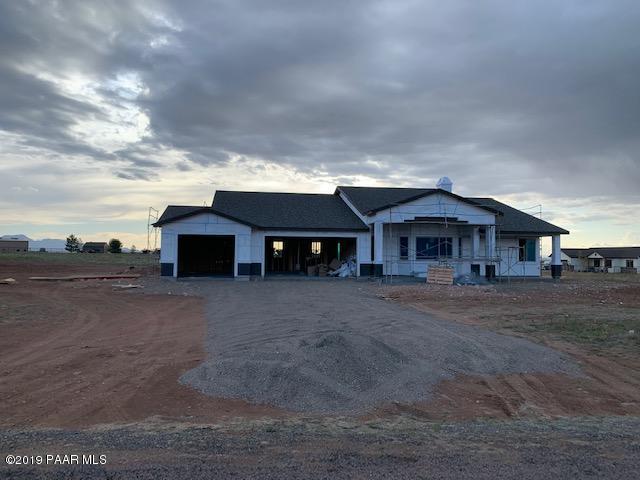 9235 E Kolbe Way, Prescott Valley, AZ 86315 (#1020975) :: HYLAND/SCHNEIDER TEAM
