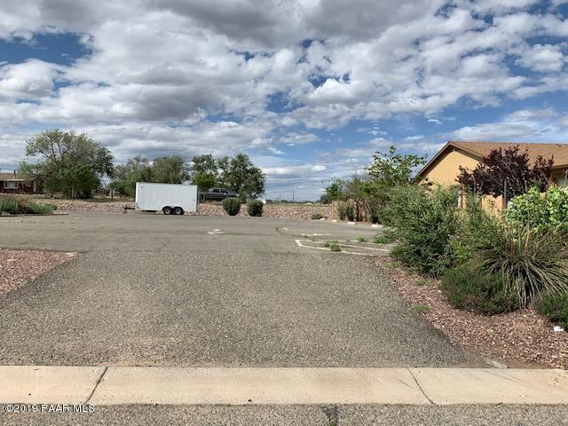1178 Arden Court, Chino Valley, AZ 86323 (#1021177) :: HYLAND/SCHNEIDER TEAM