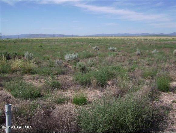 0 E Lodestone Dr, Prescott Valley, AZ 86315 (#1021416) :: HYLAND/SCHNEIDER TEAM