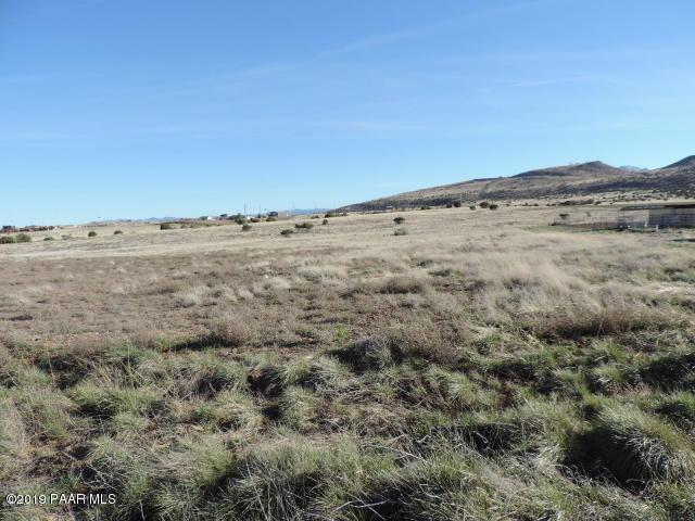 4055 W Covey Ridge Lane, Prescott, AZ 86305 (#1022735) :: Shelly Watne