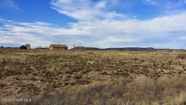 2350 W Pilots Rest Airstrip, Paulden, AZ 86334 (#1031034) :: West USA Realty of Prescott