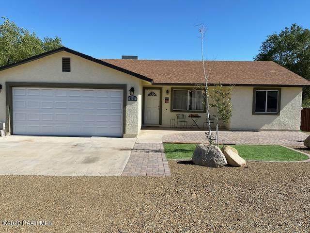 6241 N Viewpoint Drive, Prescott Valley, AZ 86314 (#1033826) :: Shelly Watne