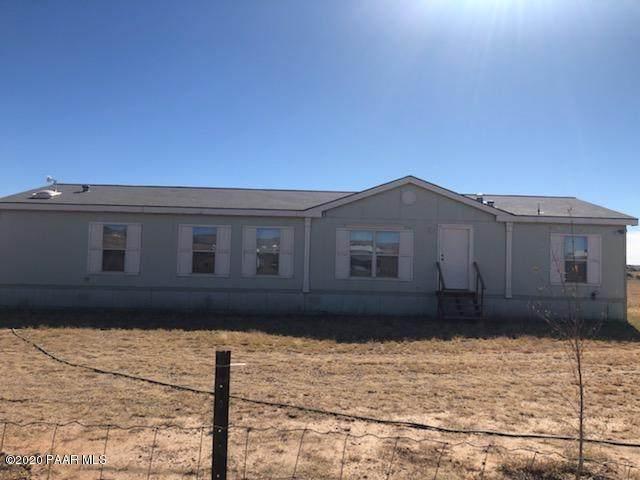4335 W Duane Lane, Paulden, AZ 86334 (#1034002) :: Shelly Watne