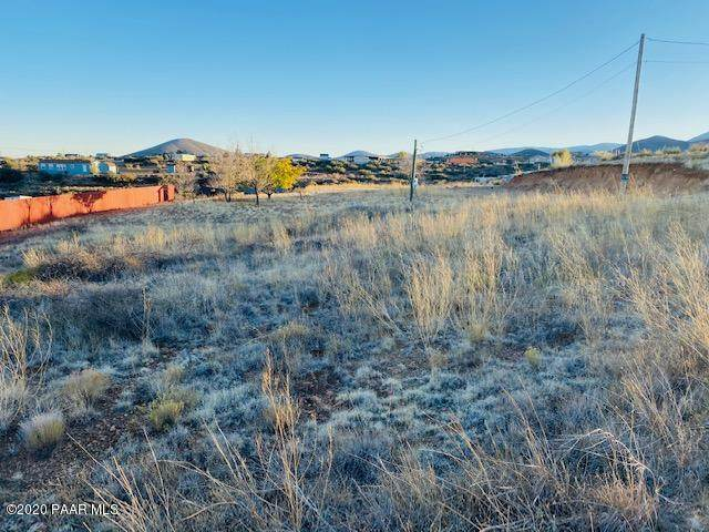 10403 E Henderson Road, Dewey-Humboldt, AZ 86327 (#1034356) :: Prescott Premier Homes | Coldwell Banker Global Luxury