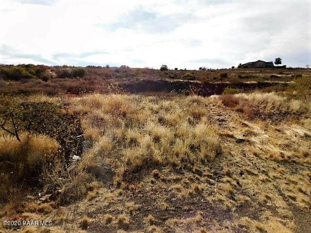 12300 S Caballo, Mayer, AZ 86333 (#1034615) :: Prescott Premier Homes | Coldwell Banker Global Luxury