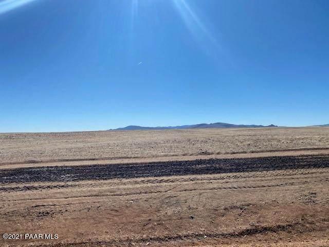 Parcel 31 Copperfield, Prescott Valley, AZ 86315 (#1036389) :: Shelly Watne