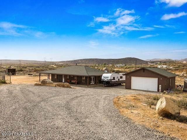 17220 E Gilead Way, Dewey-Humboldt, AZ 86327 (#1039566) :: Shelly Watne