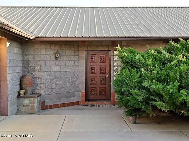 1825 W Road 2 North, Chino Valley, AZ 86323 (#1040507) :: Shelly Watne