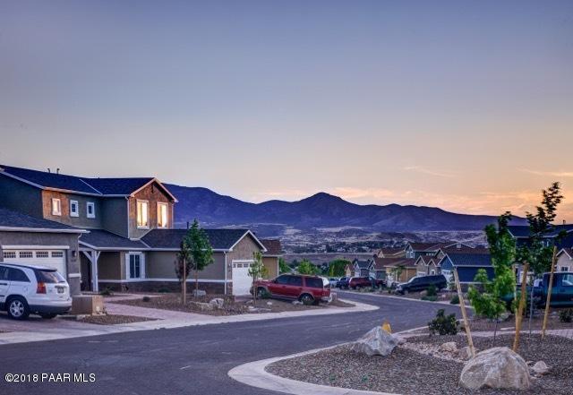 12836 E Castro Street, Dewey-Humboldt, AZ 86327 (#1009694) :: The Kingsbury Group