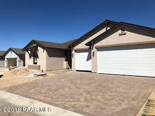 2562 Aurora Drive, Chino Valley, AZ 86323 (#1015459) :: The Kingsbury Group