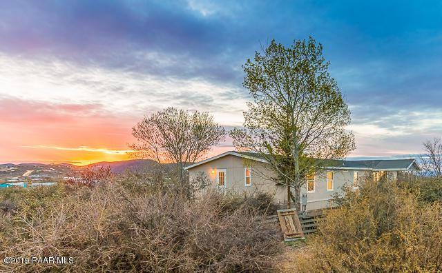 805 N Yarber Wash Road, Dewey-Humboldt, AZ 86327 (#1020115) :: West USA Realty of Prescott