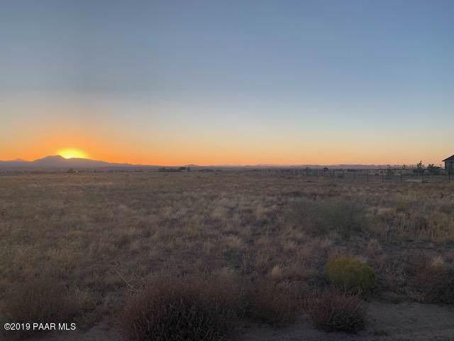 11500 N Raya Road, Prescott Valley, AZ 86315 (#1025624) :: Shelly Watne