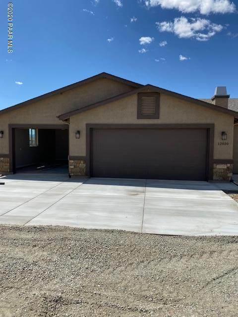 12020 N Poquito Valley Road, Prescott Valley, AZ 86315 (#1027829) :: HYLAND/SCHNEIDER TEAM