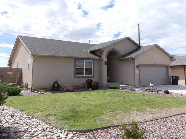 2212 Crestwood Ln, Pueblo, CO 81008 (MLS #182263) :: The All Star Team of Keller Williams Freedom Realty