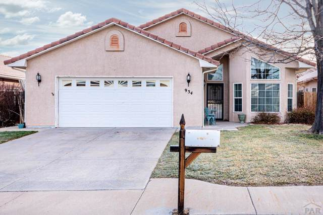 934 Pinecrest Dr, Pueblo, CO 81005 (MLS #183543) :: The All Star Team of Keller Williams Freedom Realty