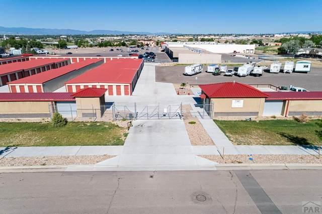 827 Village Circle, Pueblo, CO 81001 (MLS #186906) :: The All Star Team