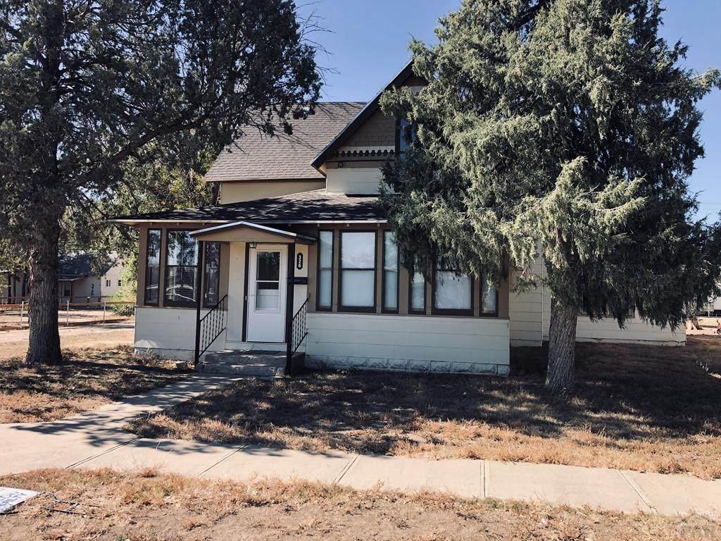 326 Colorado Ave - Photo 1