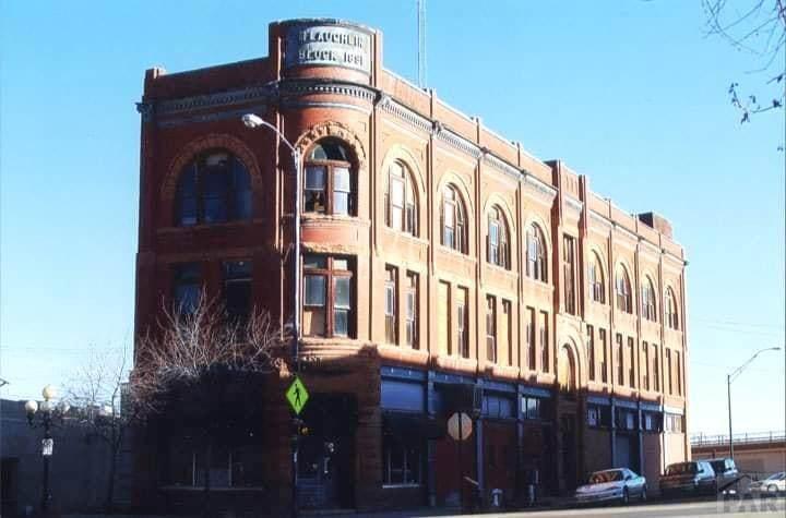 330 Union Ave - Photo 1