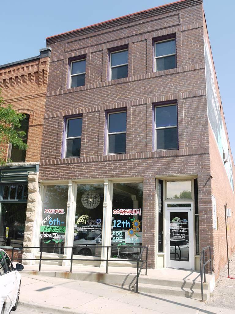 104 Victoria Ave - Photo 1