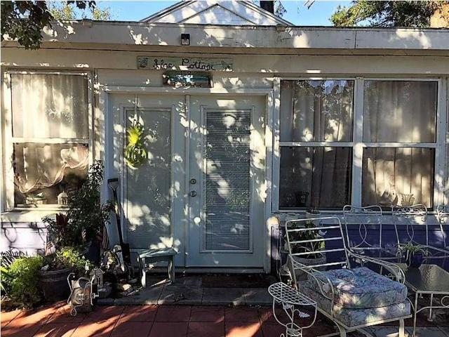 1 Parker Ave #8, CARRABELLE, FL 32322 (MLS #262572) :: Berkshire Hathaway HomeServices Beach Properties of Florida