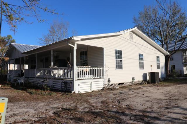 206 Tenth St, PORT ST. JOE, FL 32456 (MLS #300389) :: Berkshire Hathaway HomeServices Beach Properties of Florida