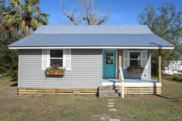 165 7TH ST, APALACHICOLA, FL 32320 (MLS #300628) :: Berkshire Hathaway HomeServices Beach Properties of Florida