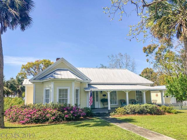 207 Avenue E, APALACHICOLA, FL 32320 (MLS #301117) :: Berkshire Hathaway HomeServices Beach Properties of Florida