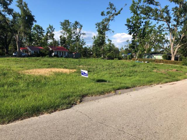 300 4TH, WEWAHITCHKA, FL 32465 (MLS #301798) :: Berkshire Hathaway HomeServices Beach Properties of Florida