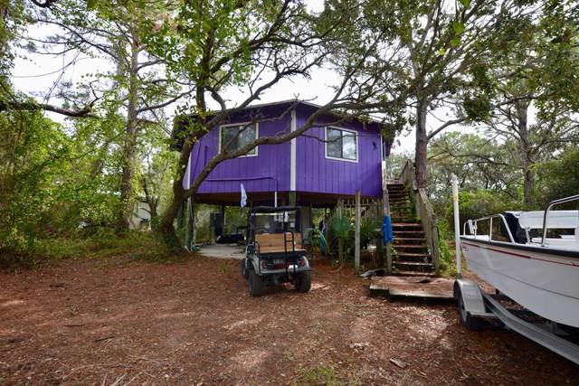 1164 W Pine Ave, ST. GEORGE ISLAND, FL 32328 (MLS #303040) :: Coastal Realty Group