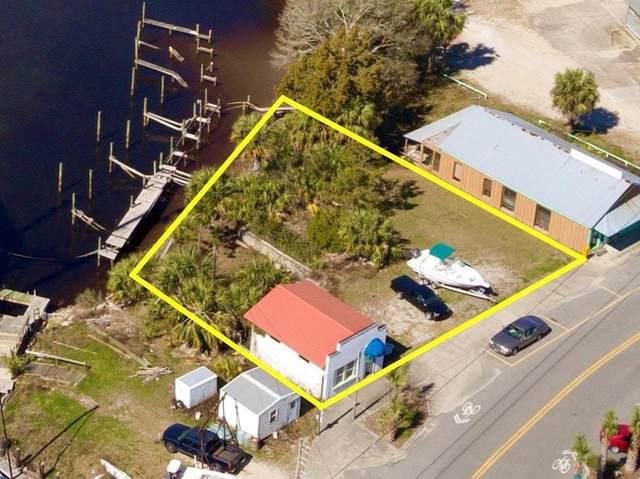107 Marine St, CARRABELLE, FL 32322 (MLS #303921) :: Berkshire Hathaway HomeServices Beach Properties of Florida