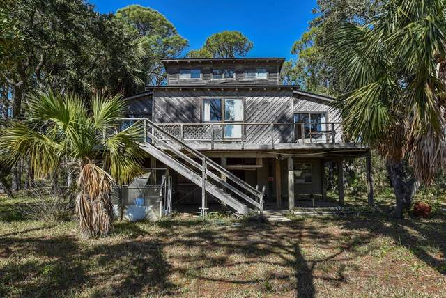 725 E Pine Ave, ST. GEORGE ISLAND, FL 32328 (MLS #303935) :: Coastal Realty Group