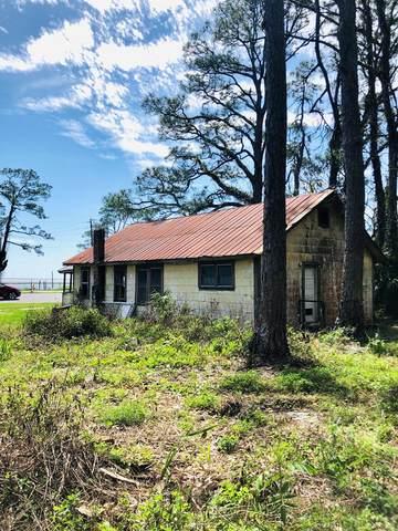 365 Hwy 98 W, EASTPOINT, FL 32328 (MLS #304213) :: Berkshire Hathaway HomeServices Beach Properties of Florida