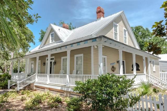 84 Ave D, APALACHICOLA, FL 32320 (MLS #304893) :: Berkshire Hathaway HomeServices Beach Properties of Florida