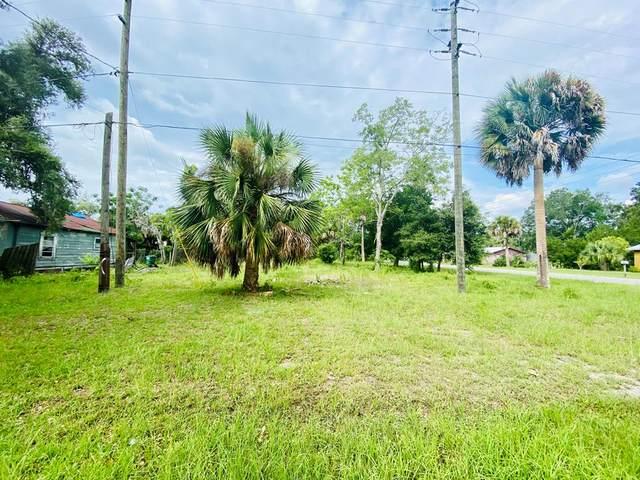 240 8TH ST, APALACHICOLA, FL 32320 (MLS #305091) :: Berkshire Hathaway HomeServices Beach Properties of Florida