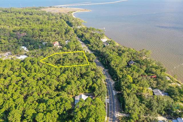 72 S Bay Shore Dr, EASTPOINT, FL 32328 (MLS #305783) :: The Naumann Group Real Estate, Coastal Office