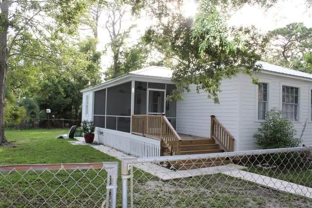 50 17TH ST, APALACHICOLA, FL 32320 (MLS #305824) :: Anchor Realty Florida