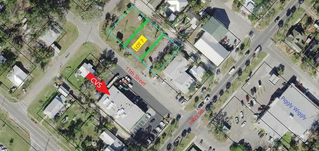 95 11TH ST, APALACHICOLA, FL 32320 (MLS #306156) :: Berkshire Hathaway HomeServices Beach Properties of Florida