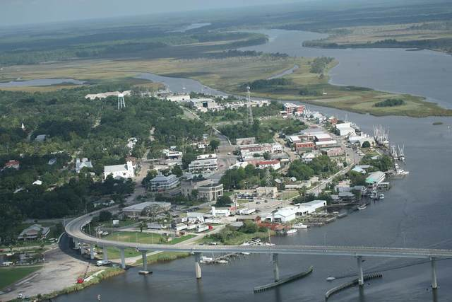 1-18 Market St, APALACHICOLA, FL 32320 (MLS #307563) :: Berkshire Hathaway HomeServices Beach Properties of Florida