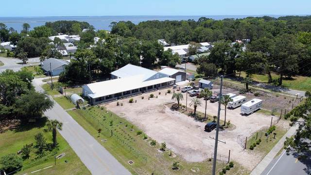 2390 Oak St, CARRABELLE, FL 32323 (MLS #307869) :: Anchor Realty Florida