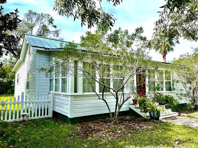 130 14TH ST, APALACHICOLA, FL 32320 (MLS #309277) :: Anchor Realty Florida