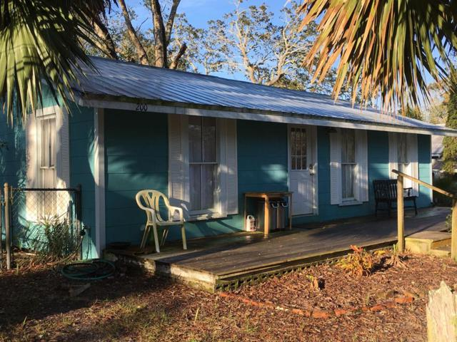 200 4TH ST, APALACHICOLA, FL 32320 (MLS #300233) :: Coastal Realty Group