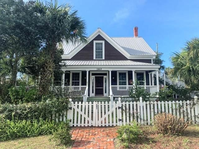 160 5TH ST, APALACHICOLA, FL 32320 (MLS #303953) :: Berkshire Hathaway HomeServices Beach Properties of Florida